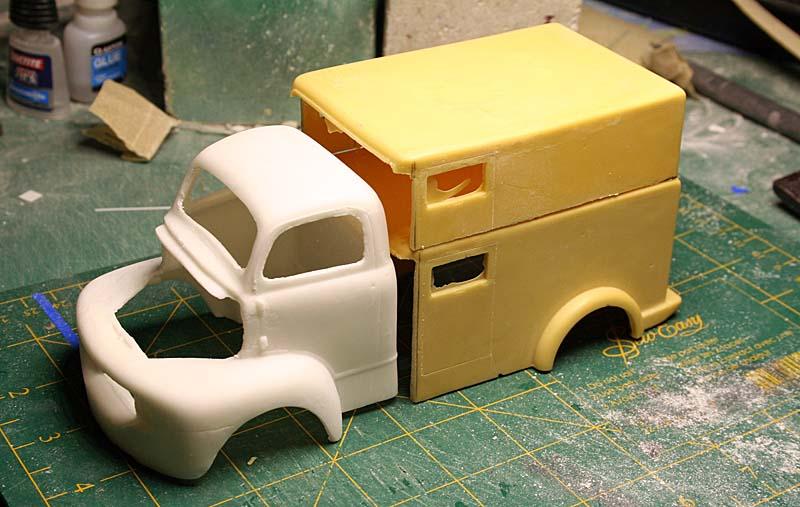 """FORD 1948 COE """"box van"""" : Terminé !!!! Img_8835"""