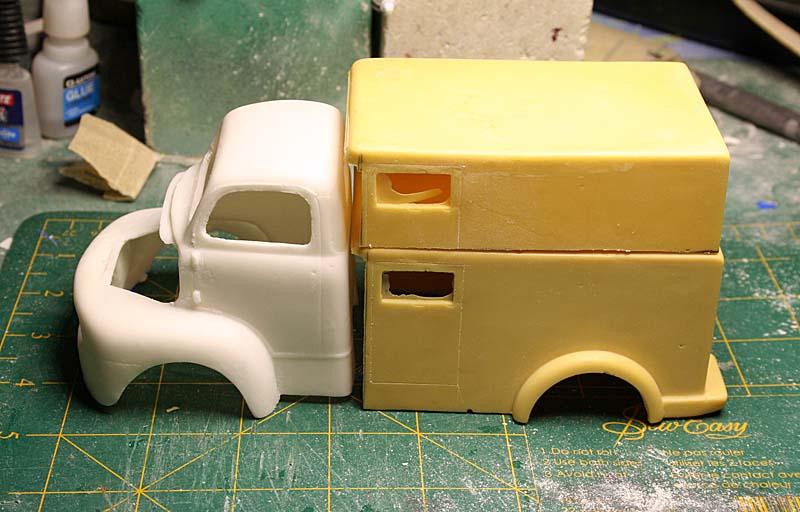 """FORD 1948 COE """"box van"""" : Terminé !!!! Img_8836"""