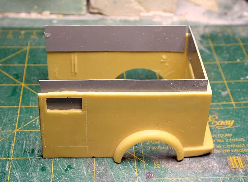 """FORD 1948 COE """"box van"""" : Terminé !!!! Img_8839"""