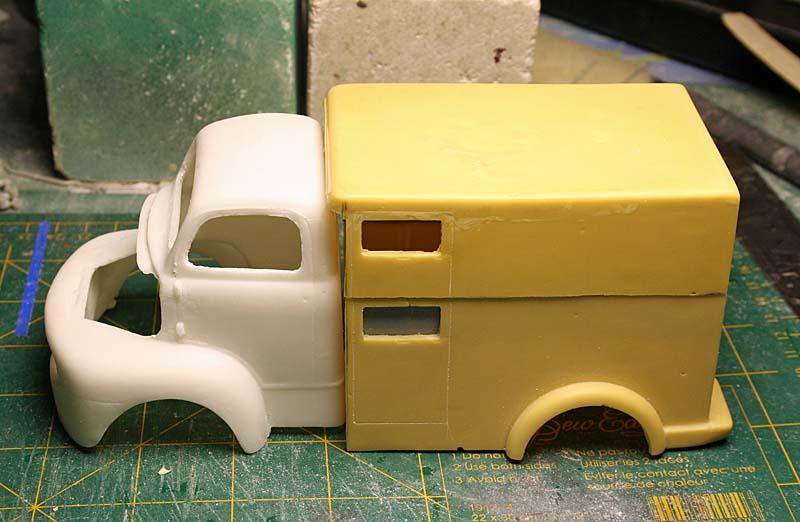 """FORD 1948 COE """"box van"""" : Terminé !!!! Img_8840"""