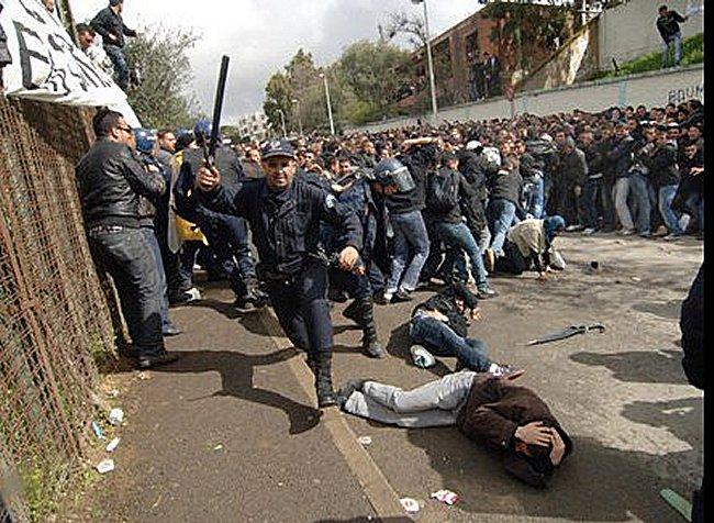 L'Algerie est fiere de sa police on ne peut que desapprouver ! Mimoun12