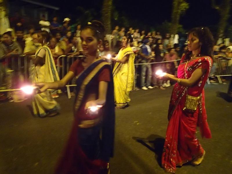 fête de la lumière (dipavali ) Pa250110