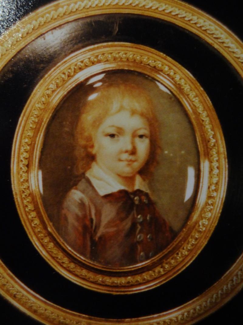 Portraits des dauphins Louis-Joseph ou Louis-Charles ? Dsc09725