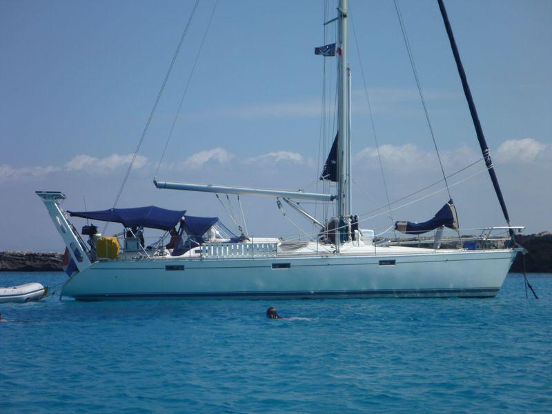 PORTIQUE - Un exemple de portique en alu sur Océanis 430 110
