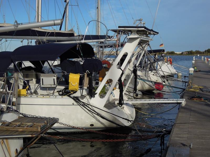 PORTIQUE - Un exemple de portique en alu sur Océanis 430 210