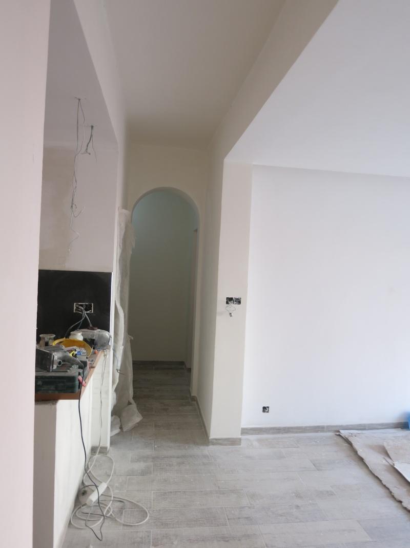 salon sixties sur cuisine ouverte Couloi13