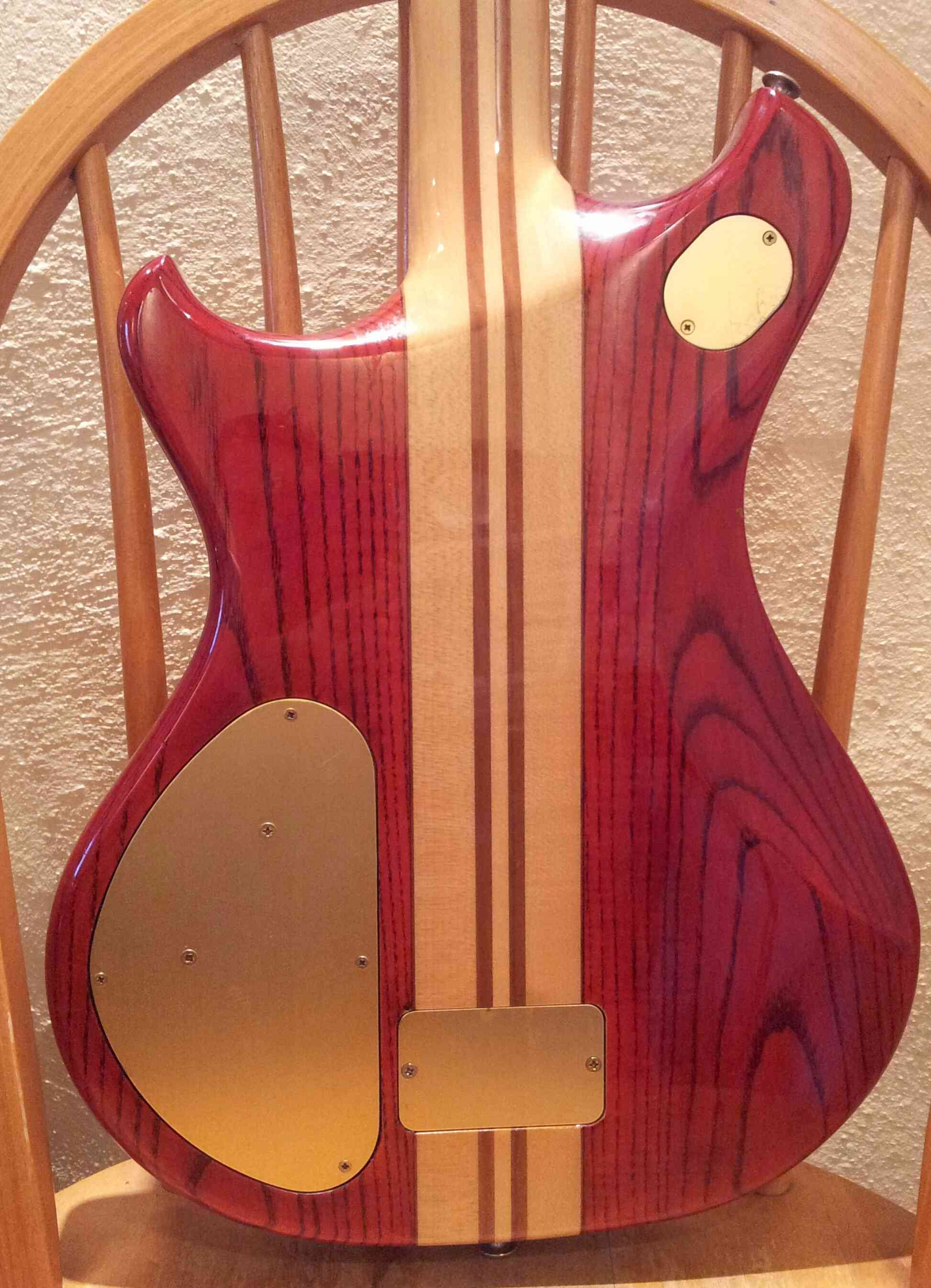 guitar - Newbie post about my Thunder III guitar Img_0113