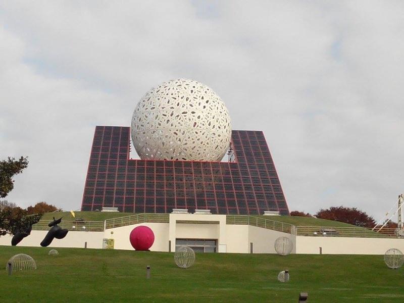 Boule du Futuroscope : démontage, reconstruction, scénographie (2012-2014) - Page 21 10694910