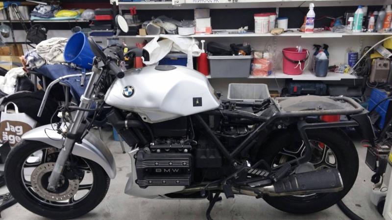 BMW K75 goes cafe racer Img-2010