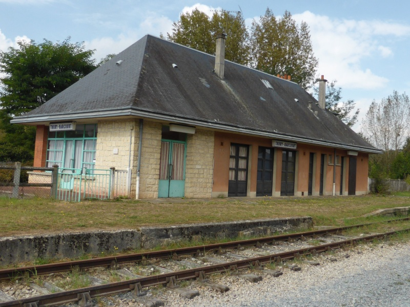 la petite gare de Thury Harcourt 02210
