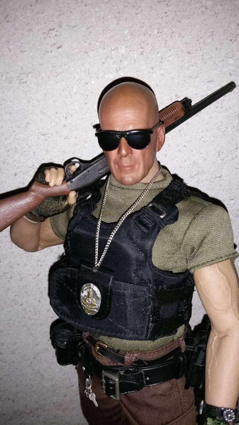 Bruce Willis / MAJ P1 / OEIL ARRACHE T1 20141012
