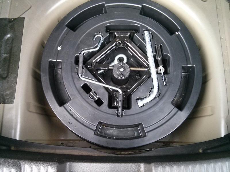 Eau dans le compartiment de la roue de secours [RÉSOLU] Img110
