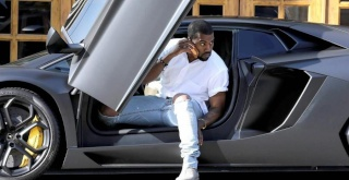 Kanye West  net worth Kanye-11