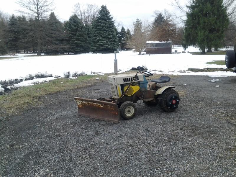 Suburban 12 Carburetor  11301414