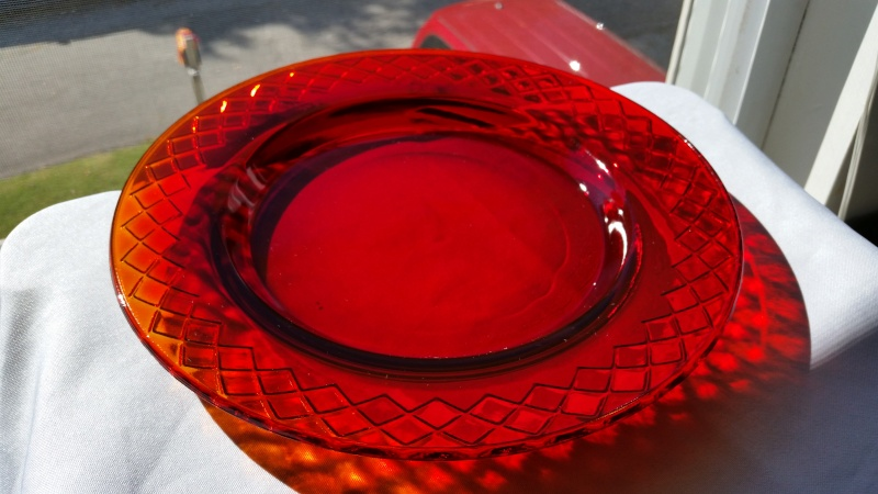 10inch Amberina Style Plate >unknown maker 2014-111