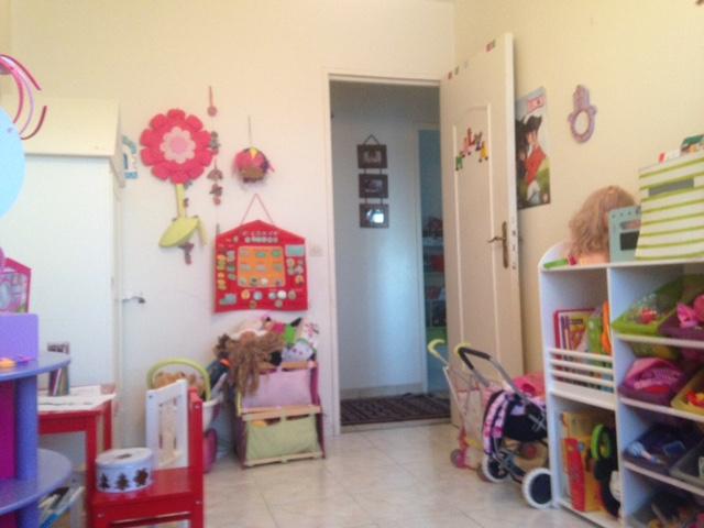 Impossible de tout caser dans petite chambre (<10m2) de fille !! Img_9011