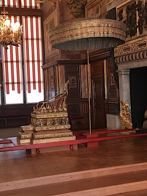 Fontainebleau Salle-de-Bal Rois du Monde Collection Al Thani Captu128