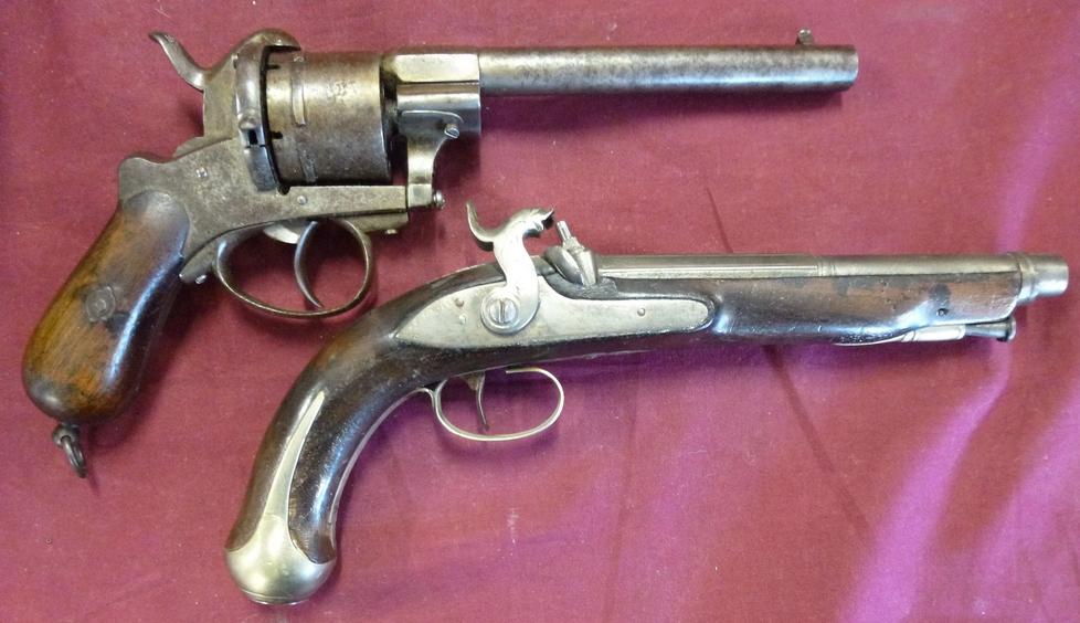 Pistolet et revolver (Identificationet estimation) 111