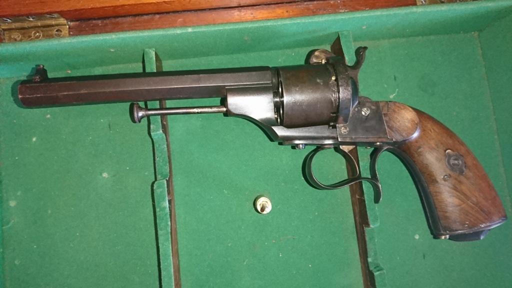 Revolver LEFAUCHEUX à broche (C'est un 1854  après identication)  Dsc_9414