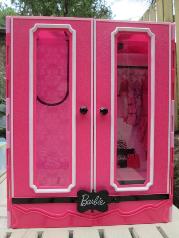 vend dressing barbie (baisse de prix) Img_0960