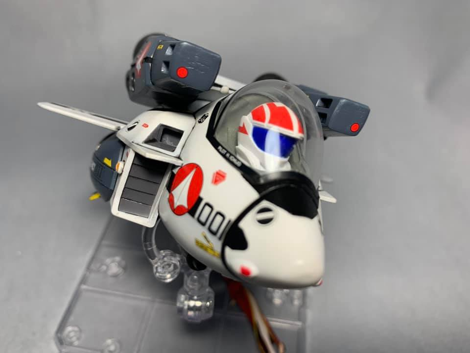 Macross Egg-Plane Hasegawa : VF-1A Production Type et VF-1S super valkyries 1521