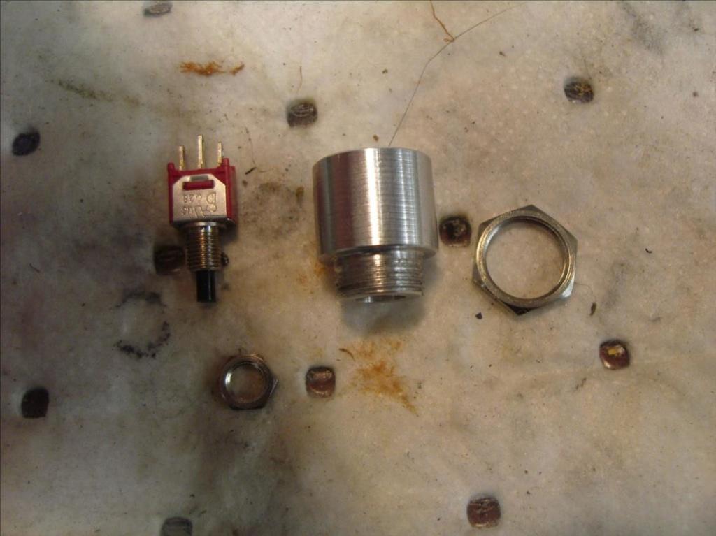 vanne sur réservoir d'huile avec antidémarrage. Sdc15319