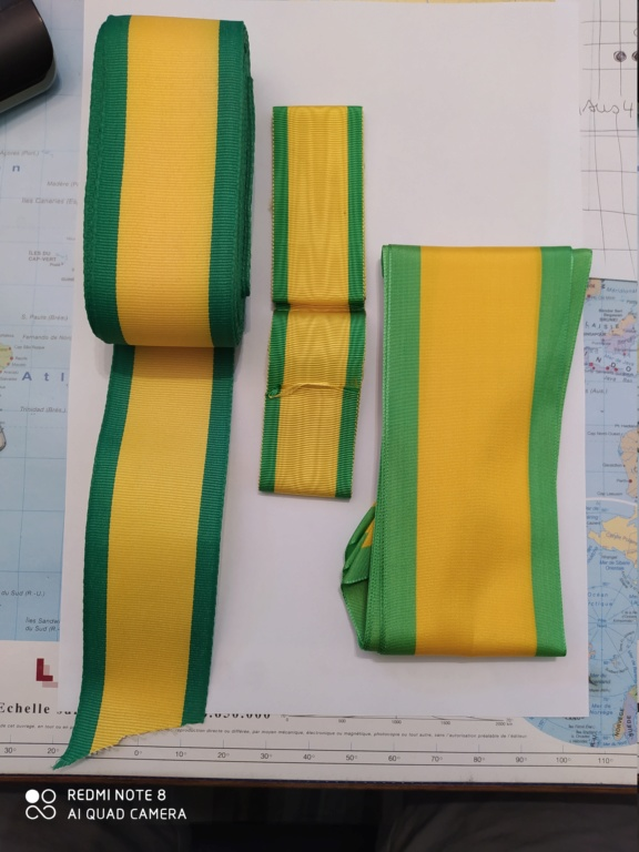 Médailles militaire : rubans et brassards Img_2062