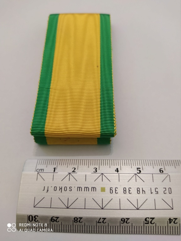 Médailles militaire : rubans et brassards Img_2064