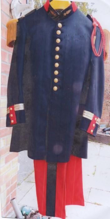 Uniforme à identifier: Grande tenue 1931 de capitaine d'Infanterie Numzor10