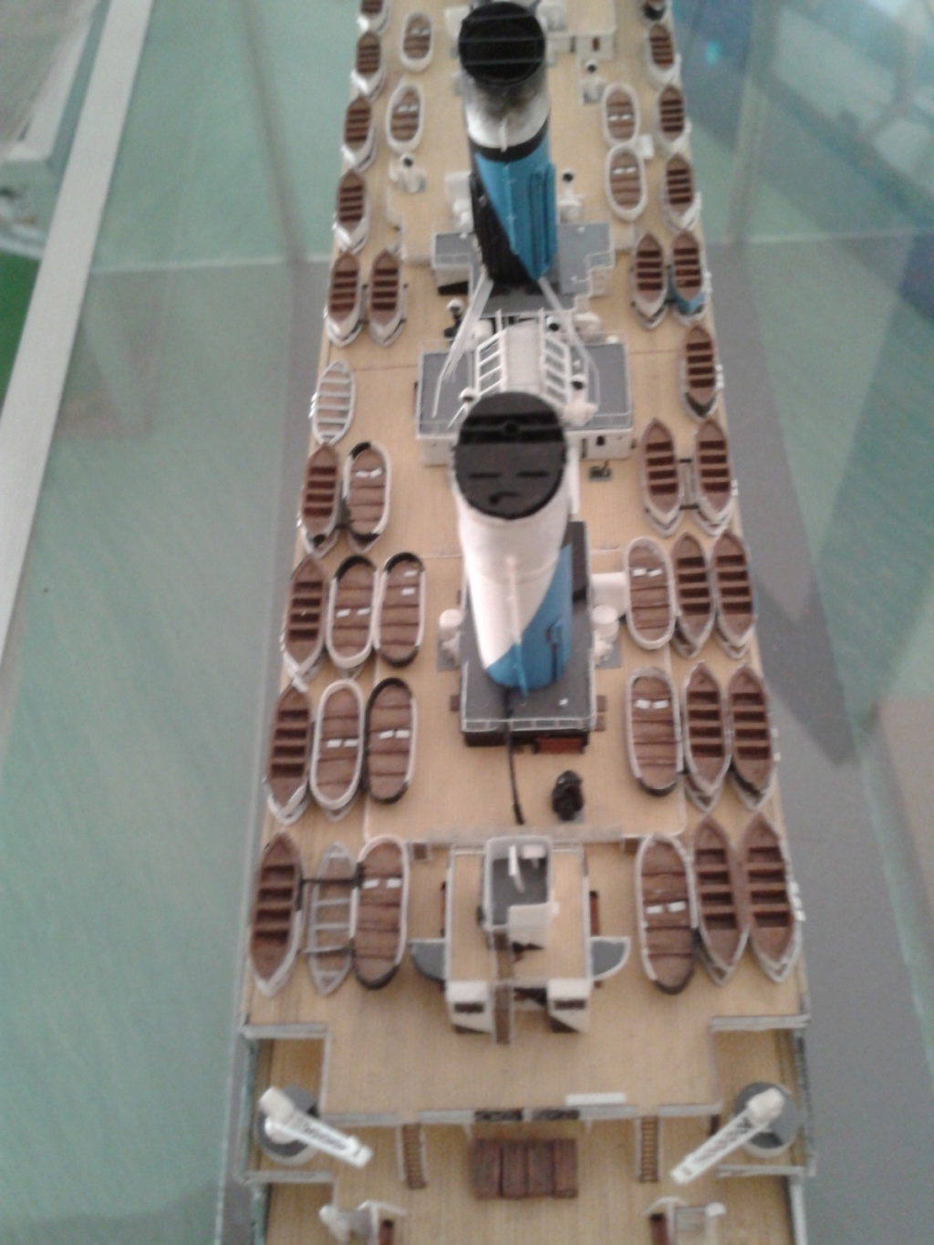 HMT Olympic dazzle. revell 1/570. - Page 7 2012-010