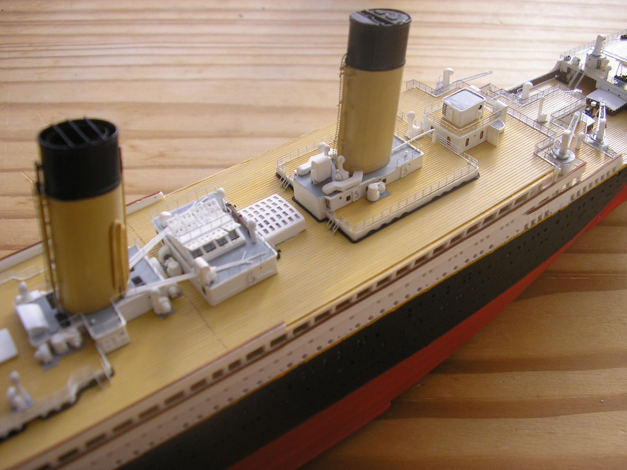 RMS Titanic-Revell 1/570 Pc270010