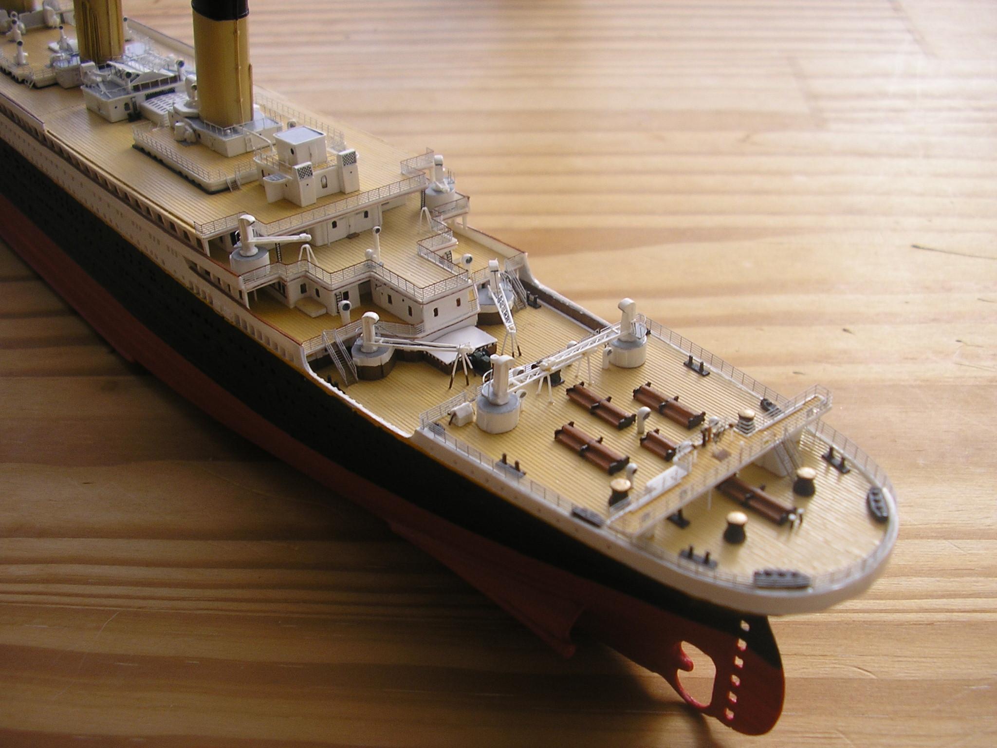 RMS Titanic-Revell 1/570 Pc270012