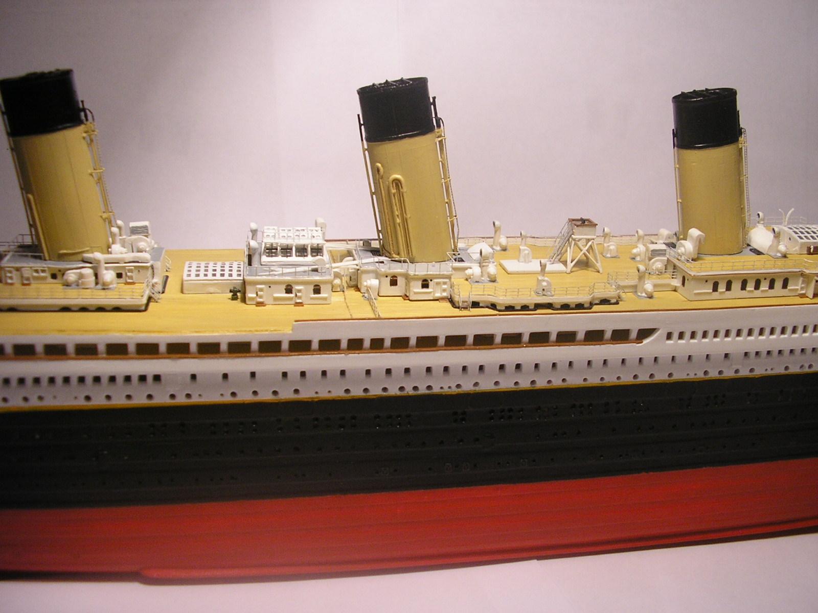 RMS Titanic-Revell 1/570 Pc310010