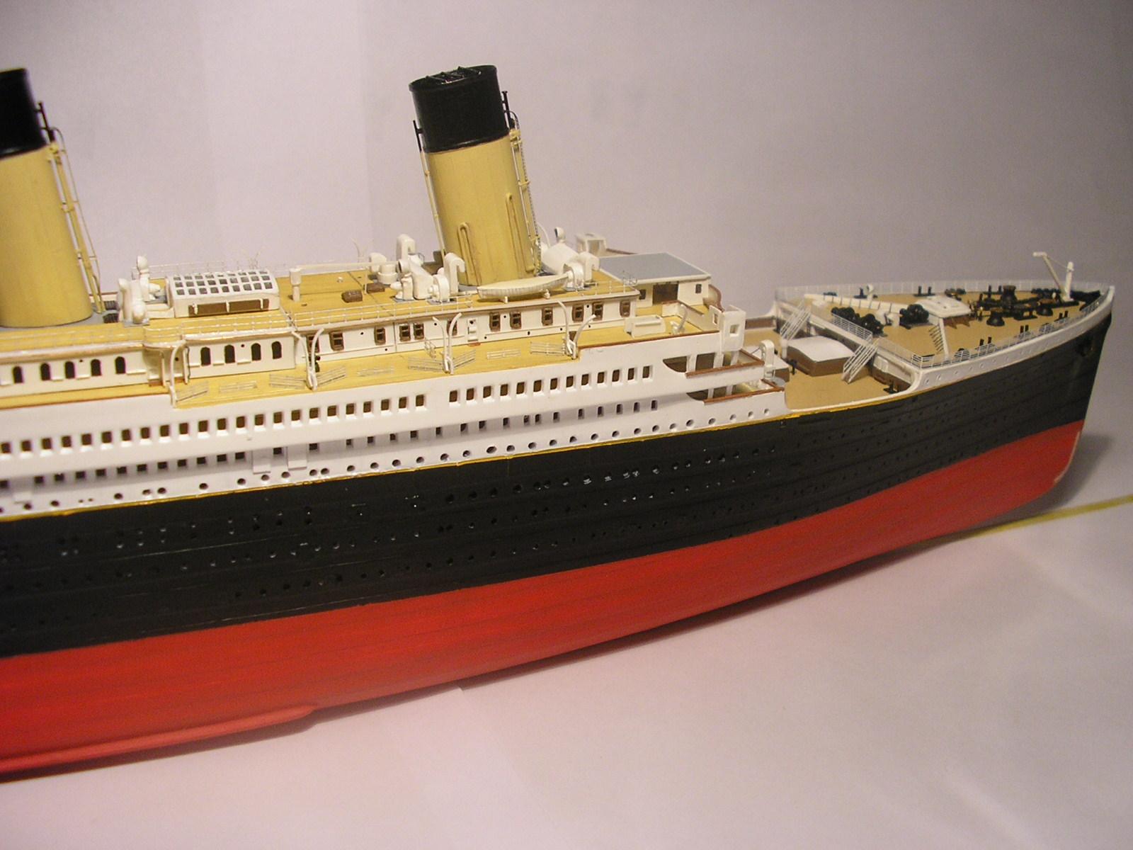 RMS Titanic-Revell 1/570 Pc310011