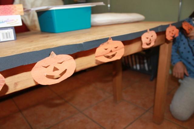Les guirlandes d' Halloween  Img_8313
