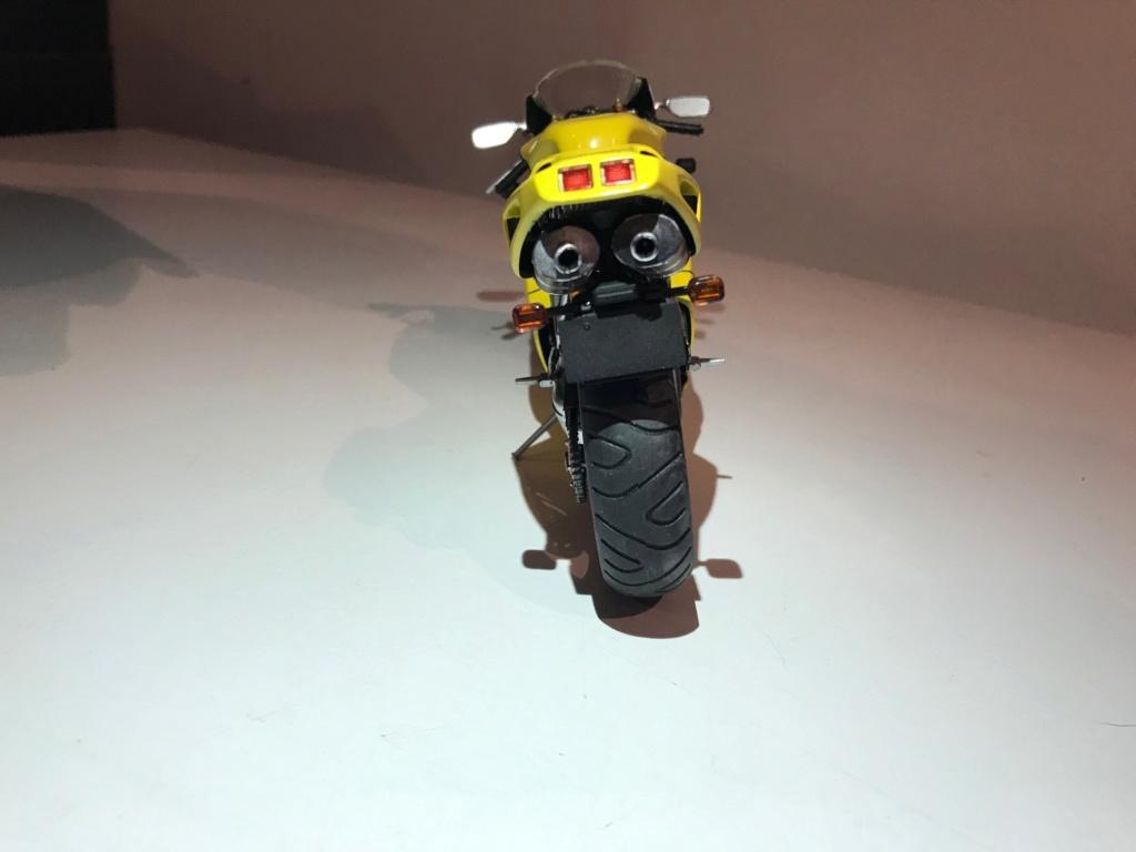 tamiya Ducati 916 au 1/12 Ducati14