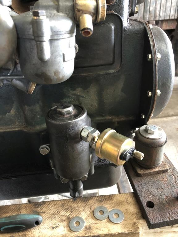 Locotracteur motorisé par un bloc moteur/boîte 201 Peugeot - Page 4 3946e410