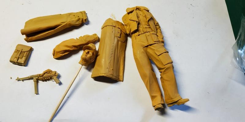 Officier HJ Division Normandie (1944) DES Kit Figuri10
