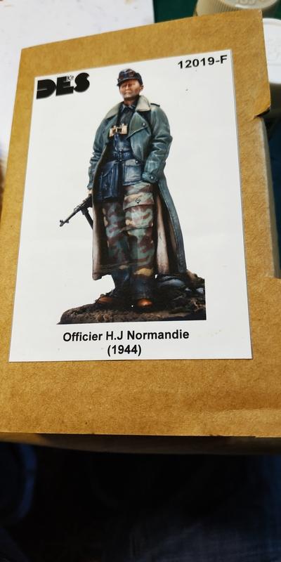 Officier HJ Division Normandie (1944) DES Kit Figuri11