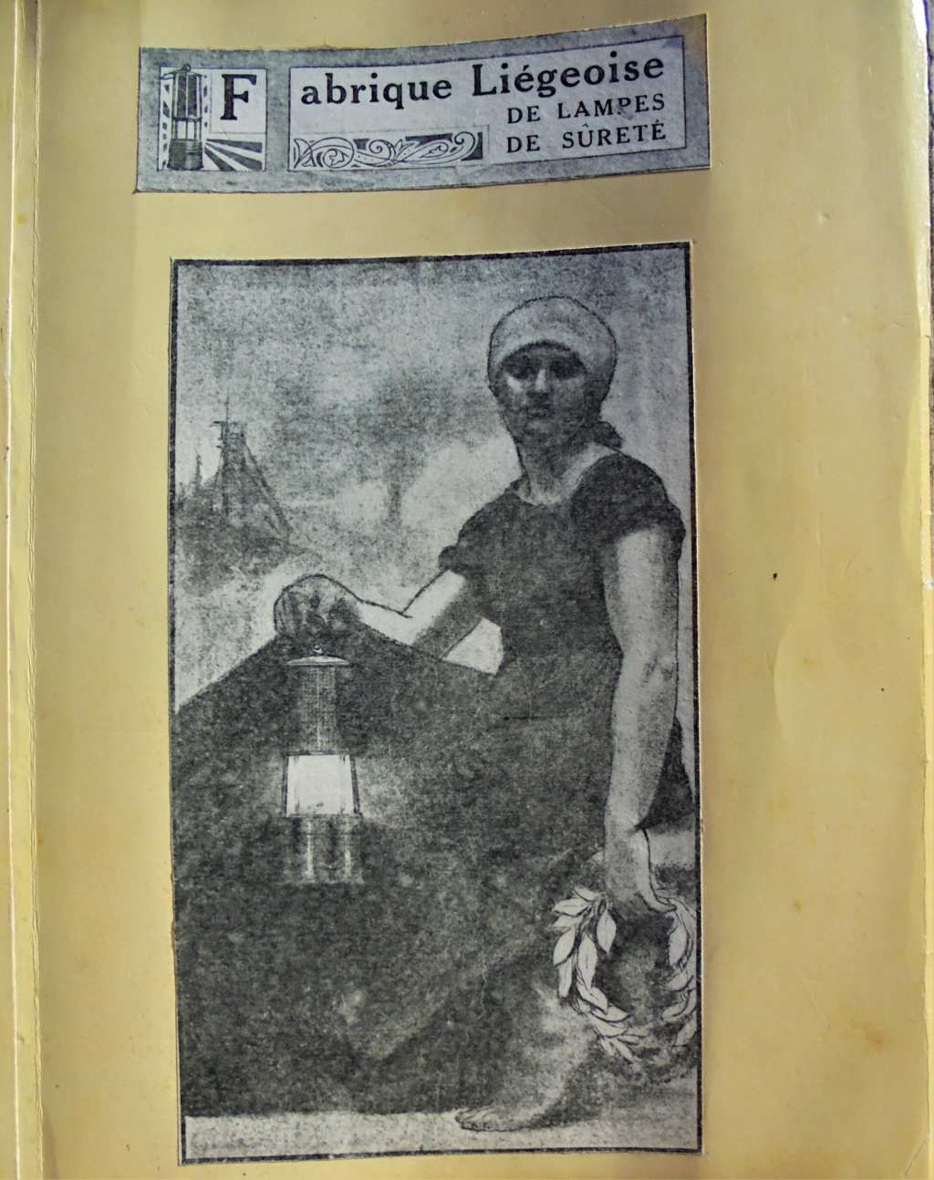 lampes de mineurs,  divers objets de mine, outils de mineur et documents  - Page 11 Dsc01231