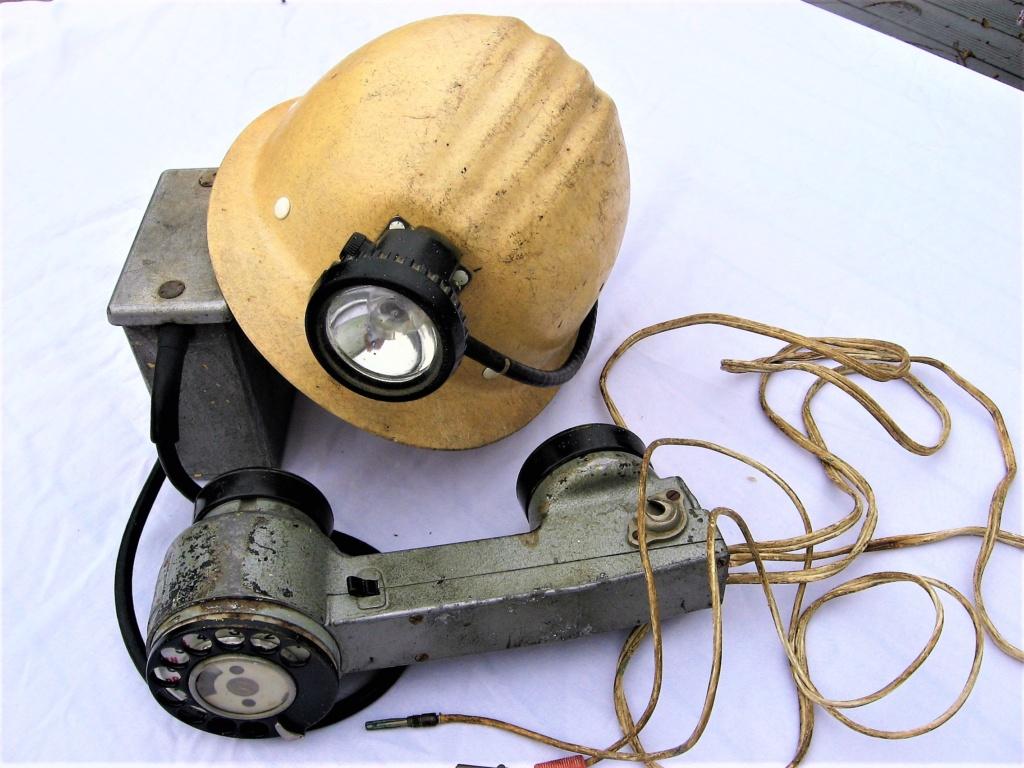 lampes de mineurs,  divers objets de mine, outils de mineur et documents  - Page 10 Img_2121