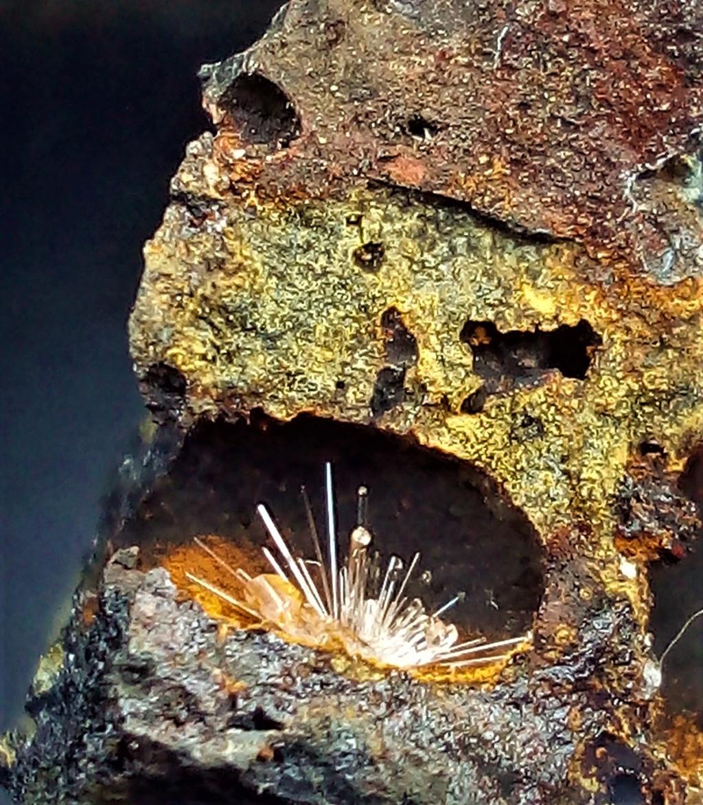 SCLAIGNEAUX site qui contient de minéraux de scorie Img_2236
