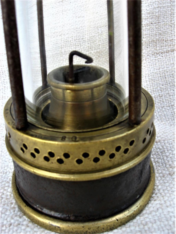 lampes de mineurs,  divers objets de mine, outils de mineur et documents  - Page 10 Img_2434