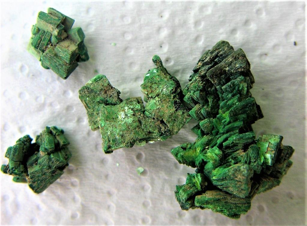 Quartz rouge et torbernite Img_2715