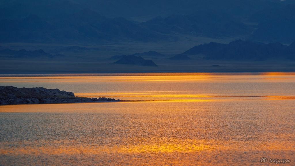 Фотографии красивых мест нашей планеты с обязательным указанием автора - Страница 2 Rqio1v10