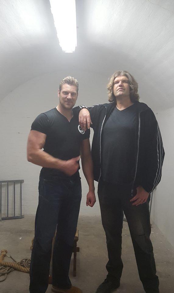 ¿cual es la persona más alta que habeis visto nunca? E6lwau10