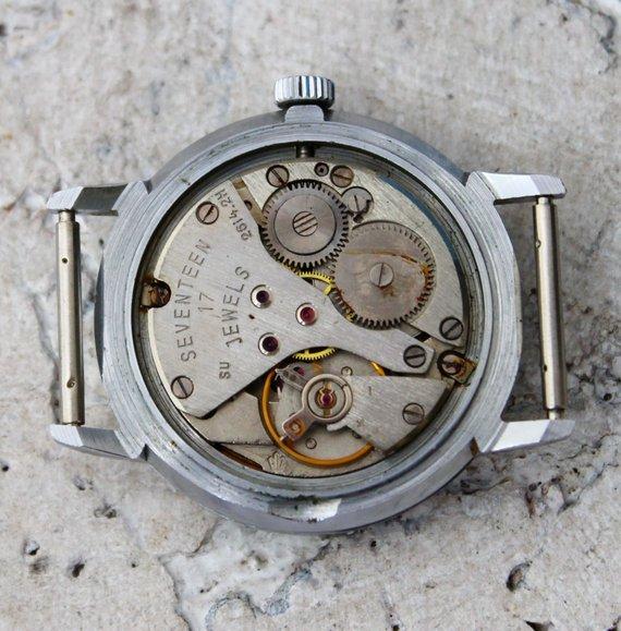 Quelqu'un a une idée sur cette montre à mouvement Poliot ? Il_57011