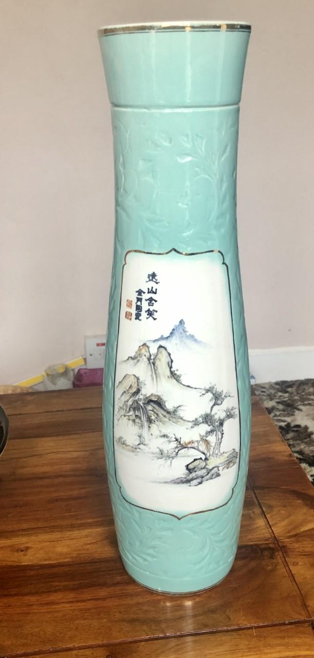Japanese tall vase marks  V311
