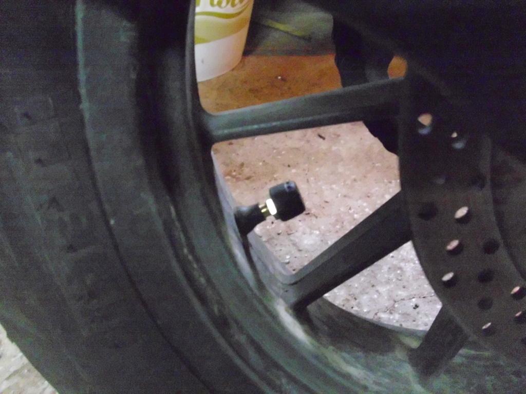 Mise en  place  d'un  système de surveillance de la pression des pneus Dsci0218
