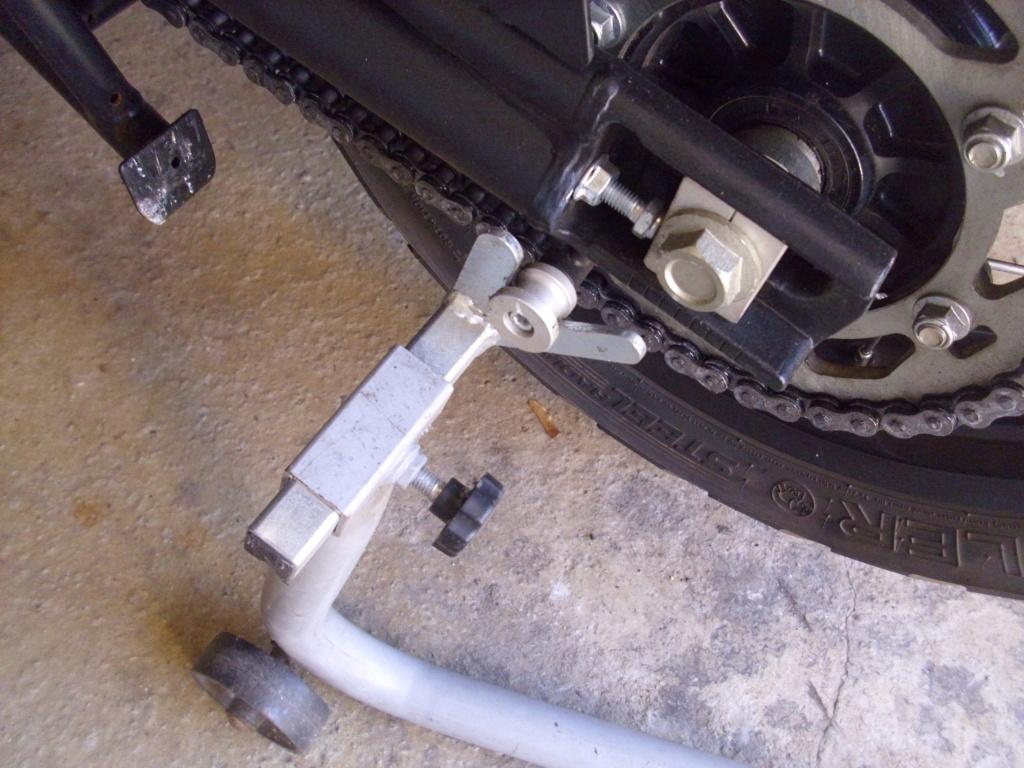 Béquille ou leve moto  Dsci0412
